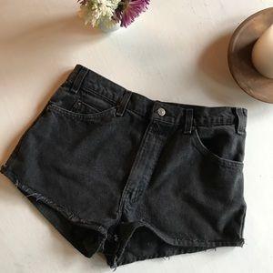Levi's Shorts - Vintage Levi Black Shorts 🌼